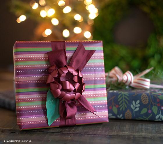 ChristmasStripeGiftWrapPrintable